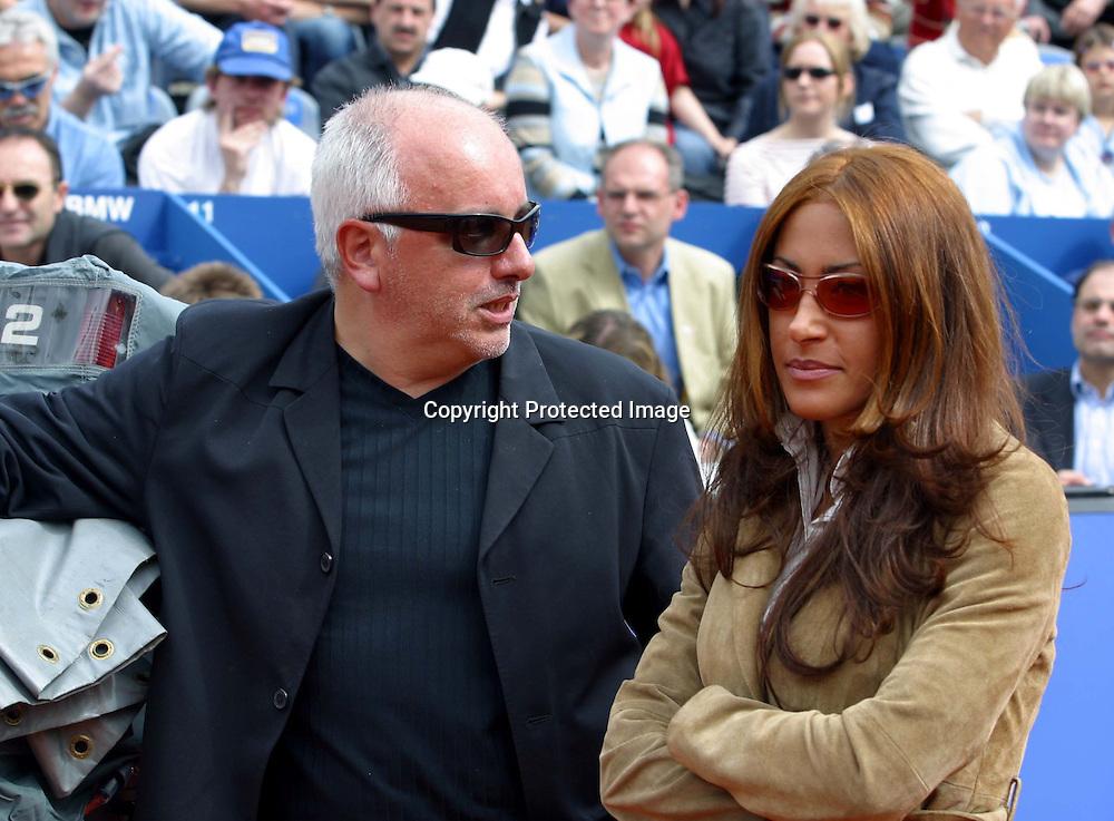 Sport,Tennis,ATP Tour,BMW Open Auslosung bem MPTC Iphitos in Muenchen, Becker Freundin Patrice <br /> Farameh und Pressesprecher Robert Luebenoff<br /> 28.04.2002<br /><br /> Foto:Juergen Hasenkopf