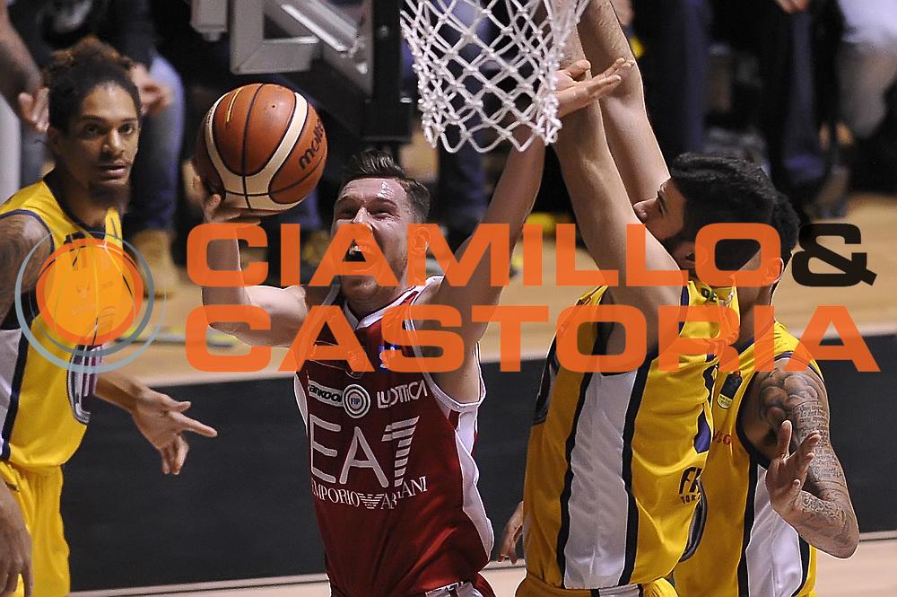 Tarczewski Kaleb<br /> Fiat Auxilium Torino - EA7 Emporio Armani Olimpia Milano <br /> LegaBasket 2017/2018<br /> Torino 10/12/2017<br /> Foto Ciamillo-Castoria