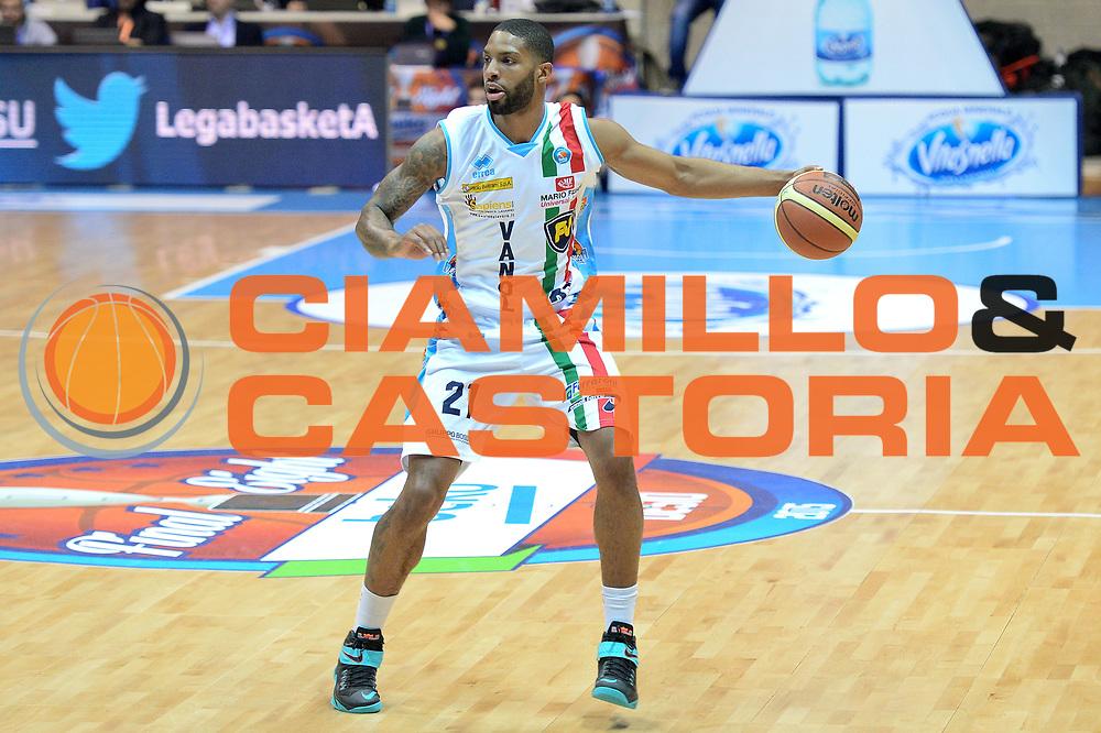 DESCRIZIONE : Final Eight Coppa Italia 2015 Desio Quarti di Finale Banco di Sardegna Sassari vs Vagoli Basket Cremona<br /> GIOCATORE : Clarc Cameron<br /> CATEGORIA :Palleggio<br /> SQUADRA : Vagoli Basket Cremona<br /> EVENTO : Final Eight Coppa Italia 2015 Desio <br /> GARA : Banco di Sardegna Sassari vs Vagoli Basket Cremona<br /> DATA : 20/02/2015 <br /> SPORT : Pallacanestro <br /> AUTORE : Agenzia Ciamillo-Castoria/I.Mancini