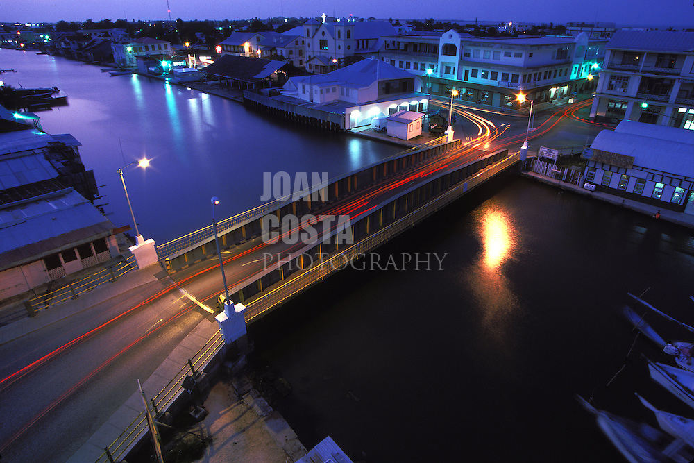 BELIZE / Belize City / Night view of Swing Bridge and Haulover Creek...© JOAN COSTA