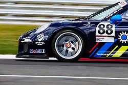 Dino Zamparelli finishes 3rd in Race 1 | GT Marques | #88 Porsche 911 GT3 Cup | Porsche Carrera Cup GB | Race 1 - Rogan Thomson/JMP - 02/10/2016 - MOTORSPORT - Brands Hatch GP Circuit - Longfield, England - BTCC Season Finale.