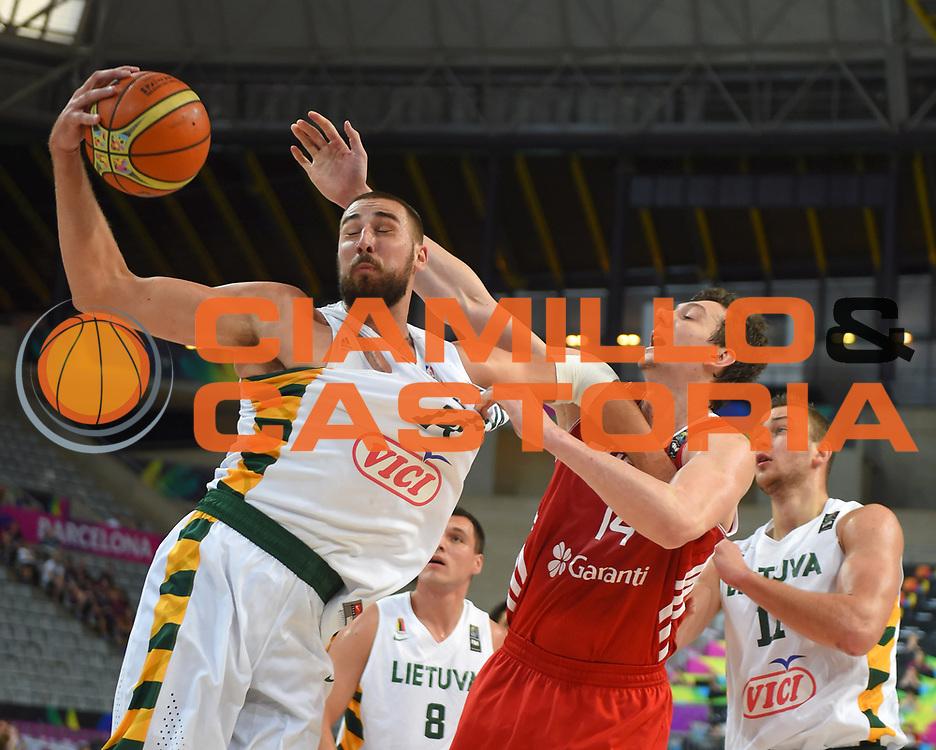 DESCRIZIONE : Barcellona Barcelona FIBA Basketball World Cup Spain 2014 1/4 Finals Turchia Lituania Turkey Lithuania<br /> GIOCATORE : Jonas VALANCIUNAS<br /> CATEGORIA : <br /> SQUADRA : Lituania Lithuania<br /> EVENTO : FIBA Basketball World Cup Spain 2014<br /> GARA :  Turchia Lituania Turkey Lithuania<br /> DATA : 09/09/2014<br /> SPORT : Pallacanestro <br /> AUTORE : Agenzia Ciamillo-Castoria<br /> Galleria : FIBA Basketball World Cup Spain 2014<br /> Fotonotizia : Barcellona Barcelona FIBA Basketball World Cup Spain 2014 1/4 Finals Turchia Lituania Turkey Lithuania