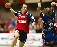 Håndball, 25. september 2002. Treningskamp, Norge - Jugoslavia 28-29. Kristine Lunde, Norge.