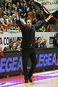 DESCRIZIONE : Campionato 2014/15 Giorgio Tesi Group Pistoia - Acqua Vitasnella Cantù<br /> GIOCATORE : Moretti Paolo<br /> CATEGORIA : Allenatore Coach Mani<br /> SQUADRA : Giorgio Tesi Group Pistoia<br /> EVENTO : LegaBasket Serie A Beko 2014/2015<br /> GARA : Giorgio Tesi Group Pistoia - Acqua Vitasnella Cantù<br /> DATA : 30/03/2015<br /> SPORT : Pallacanestro <br /> AUTORE : Agenzia Ciamillo-Castoria/S.D'Errico<br /> Galleria : LegaBasket Serie A Beko 2014/2015<br /> Fotonotizia : Campionato 2014/15 Giorgio Tesi Group Pistoia - Acqua Vitasnella Cantù<br /> Predefinita :