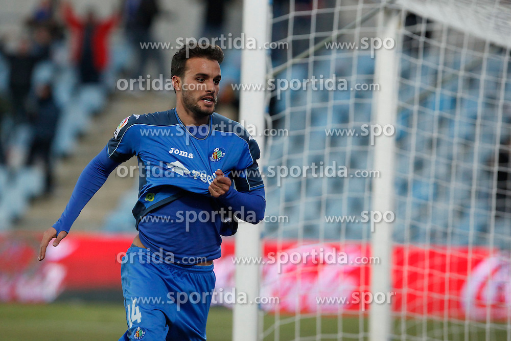 08.02.2015, Coliseum Alfonso Perez, Madrid, ESP, Primera Division, FC Getafe vs FC Sevilla, 22. Runde, im Bild Getafe´s Pedro Leon celebrates a goal // uring the Spanish Primera Division 22nd round match between Getafe FC and Sevilla FC at the Coliseum Alfonso Perez in Madrid, Spain on 2015/02/08. EXPA Pictures © 2015, PhotoCredit: EXPA/ Alterphotos/ Victor Blanco<br /> <br /> *****ATTENTION - OUT of ESP, SUI*****