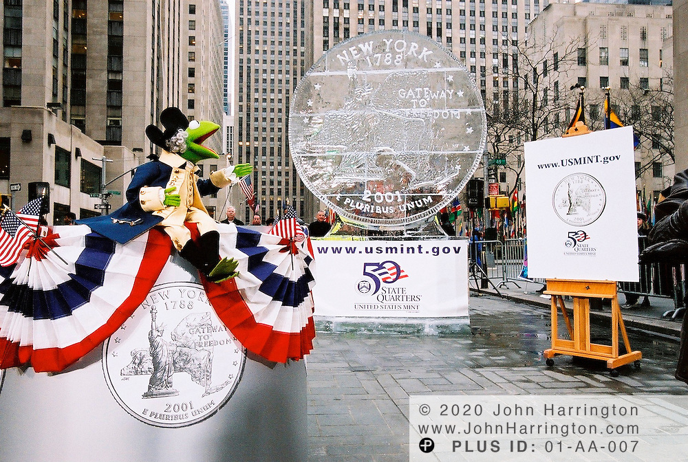 Kermit the Frog shows off New YorkÕs state quarter on Wednesday January 17, 2001.  New York was the first in the 2001 series and 11th overall as it was the 11th state to be admitted into the union..