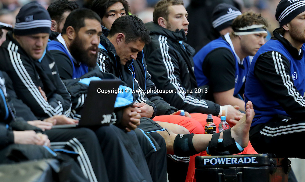 QBE International, Twickenham Stadium, Twickenham 16/11/2013<br /> England vs New Zealand<br /> New Zealand's Dan Carter injured<br /> Mandatory Credit &copy;INPHO/James Crombie
