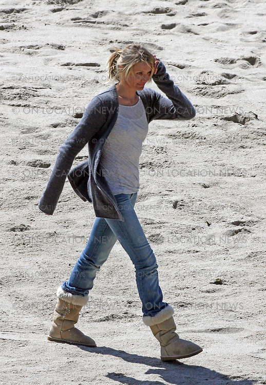MALIBU, CALIFORNIA - WEDNESDAY 9TH APRIL 2008. NON EXCLUSIVE: Cameron Diaz shooting scenes on a Malibu beach for her latest movie 'My Sister's Keeper'. Diaz kissed & wrestled with co-star Jason Patric in one scene. The movie also star Abigail Breslin who played in the surf while shooting her scenes. Photograph: On Location News. Sales: Eric Ford 1/818-613-3955 info@OnLocationNews.com. Photographer Code: ECF