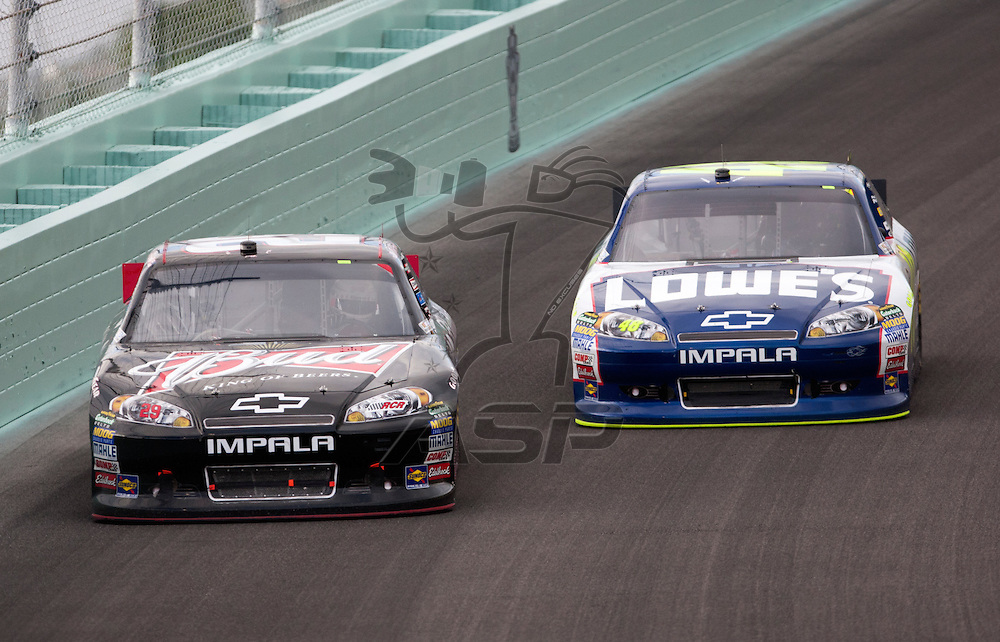 Homestead, FL - NOV 20, 2011:  Kevin Harvick (29) races for the Ford 400 race at the Homestead-Miami Speedway in Homestead, FL.
