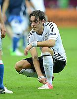 FUSSBALL  EUROPAMEISTERSCHAFT 2012   HALBFINALE Deutschland - Italien              28.06.2012 Mesut Oezil (Deutschland)  enttaeuscht am Boden