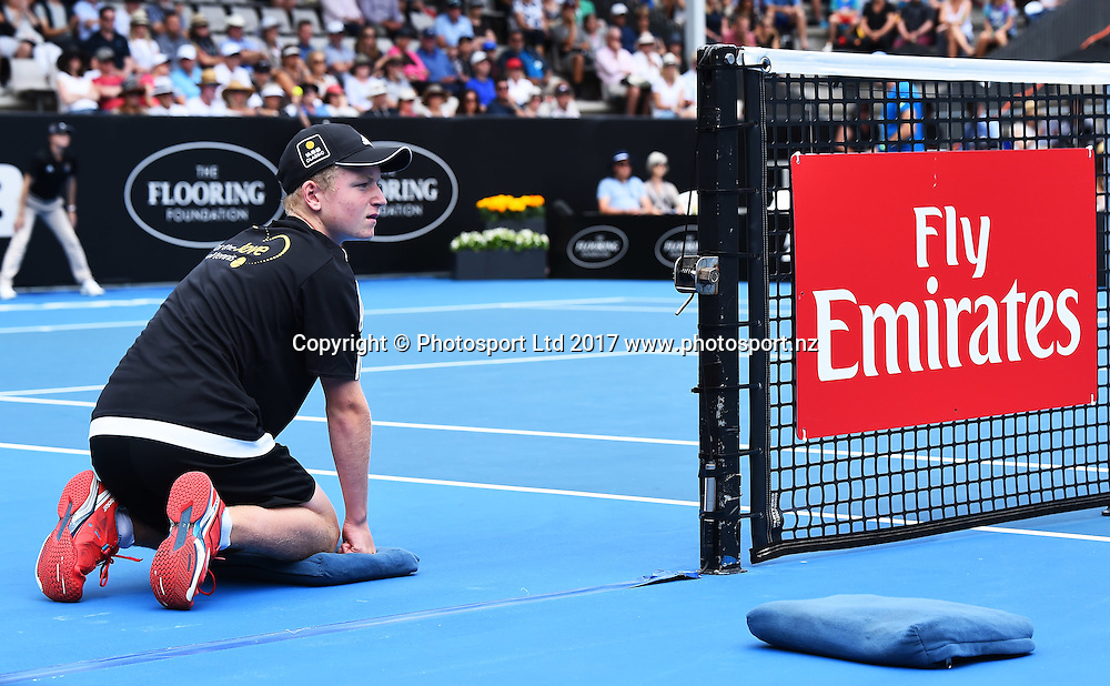 Ball kid during the ASB Classic ATP Mens Tournament Day 1. ASB Tennis Centre, Auckland, New Zealand. Monday 9 January 2017. ©Copyright Photo: Chris Symes / www.photosport.nz