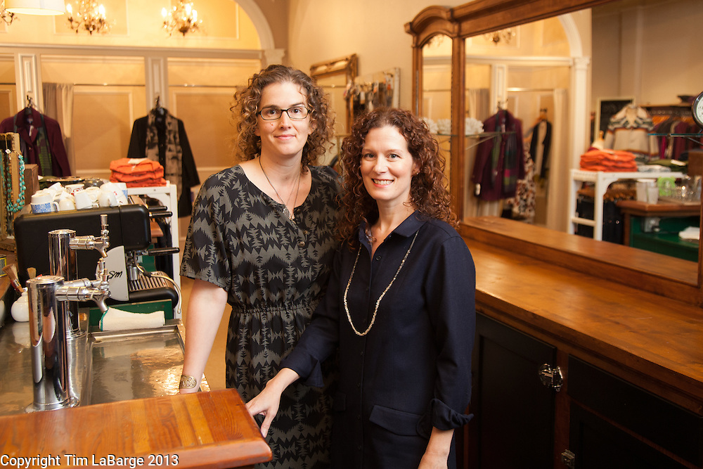 Mes Amies with Naomi Rubottom and Shanna Dixon. For 72 Hours in McMinnville for 1859 Magazine. Photo © Tim LaBarge 2013