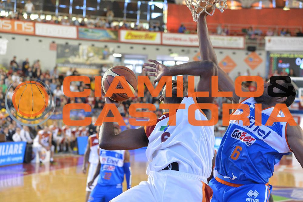 DESCRIZIONE : Roma Lega A 2012-2013 Acea Roma Enel Brindisi<br /> GIOCATORE : Bobby Jones<br /> CATEGORIA : tiro super<br /> SQUADRA : Acea Virtus Roma<br /> EVENTO : Campionato Lega A 2012-2013 <br /> GARA : Acea Roma Enel Brindisi<br /> DATA : 21/04/2013<br /> SPORT : Pallacanestro <br /> AUTORE : Agenzia Ciamillo-Castoria/GiulioCiamillo<br /> Galleria : Lega Basket A 2012-2013  <br /> Fotonotizia : Roma Lega A 2012-2013 Acea Roma Enel Brindisi<br /> Predefinita :