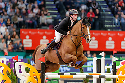 SOSATH Hendrik (GER), Lady Lordana<br /> Leipzig - Partner Pferd 2020<br /> Longines FEI Jumping World Cup™ presented by Sparkasse<br /> Sparkassen Cup - Großer Preis von Leipzig FEI Jumping World Cup™ Wertungsprüfung <br /> Springprüfung mit Stechen, international<br /> Höhe: 1.55 m<br /> 19. Januar 2020<br /> © www.sportfotos-lafrentz.de/Stefan Lafrentz