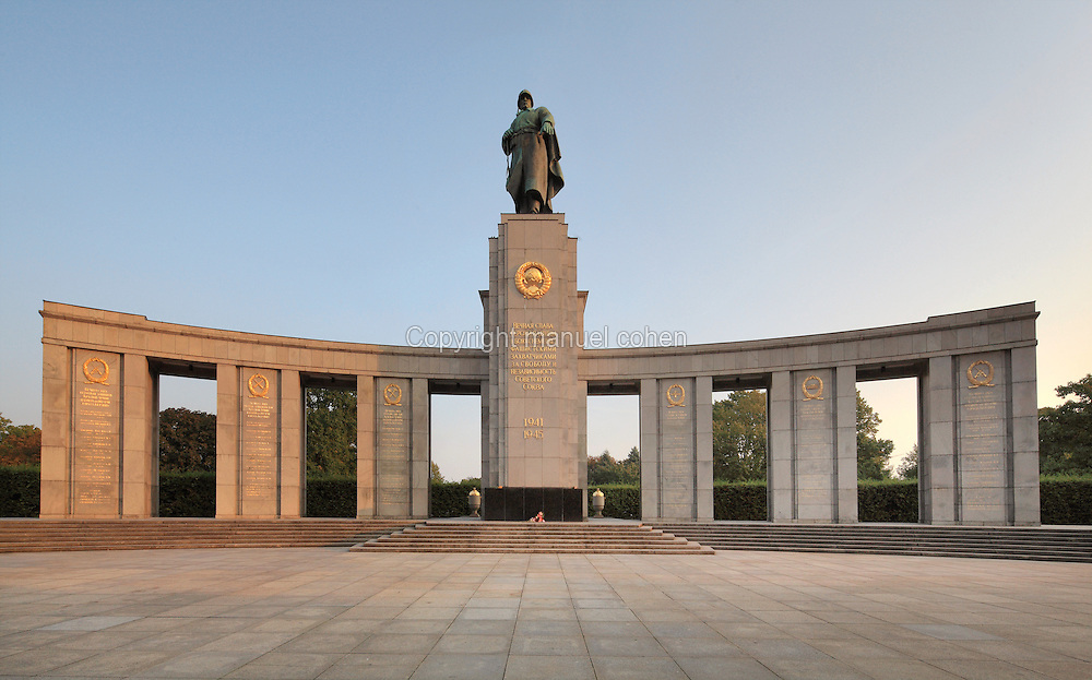 Soviet War Memorial or Sowjetisches Ehrenmal, erected 1945 after the Battle of Berlin by the Soviets to commemorate their war dead (the Russian army lost 80,000 soldiers in April and May 1945 in Berlin), in the Grosser Tiergarten Park, Berlin, Germany. The memorial was designed by Mikhail Gorvits and is a large stoa with a massive statue of a Soviet soldier. Picture by Manuel Cohen