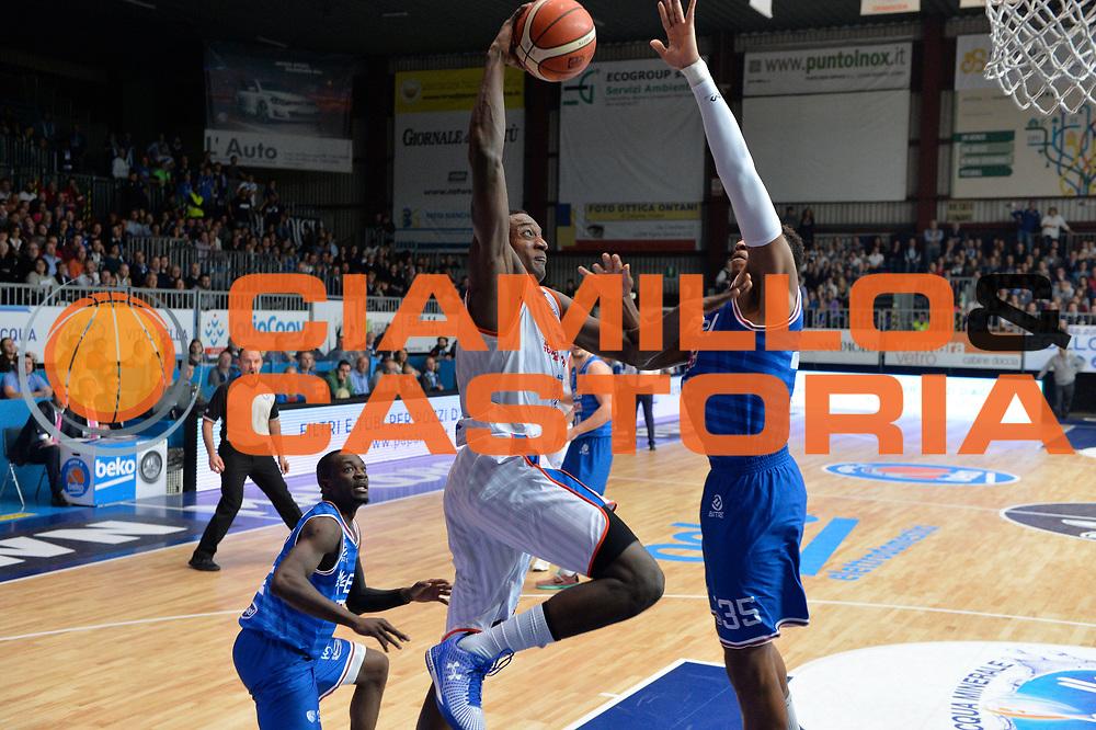 DESCRIZIONE : Cantu, Lega A 2015-16 Acqua Vitasnella Cantu' Enel Brindisi<br /> GIOCATORE : Awudu Abass<br /> CATEGORIA : Tiro<br /> SQUADRA : Acqua Vitasnella Cantu'<br /> EVENTO : Campionato Lega A 2015-2016<br /> GARA : Acqua Vitasnella Cantu' Enel Brindisi<br /> DATA : 31/10/2015<br /> SPORT : Pallacanestro <br /> AUTORE : Agenzia Ciamillo-Castoria/I.Mancini<br /> Galleria : Lega Basket A 2015-2016  <br /> Fotonotizia : Cantu'  Lega A 2015-16 Acqua Vitasnella Cantu'  Enel Brindisi<br /> Predefinita :