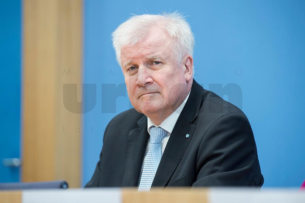 12 MAR 2018, BERLIN/GERMANY:<br /> Horst Seehofer, CSU, desig. Bundesinnenminister, waehrend einer Pressekonferenz zum Koalitionsvertrag der CDU/CSU und SPD, Bundespressekonferenz<br /> IMAGE: 20180312-01-044