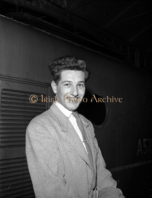 21/04/1960<br /> 04/21/1960<br /> 21 April 1960<br /> Cork - Dublin bomb scare train arrives.  School student Michael Tattan, Countess Road, Killarney, Co. Kerry, who found himself stranded at Kingsbridge Station (Heuston Station), Dublin, at 11.30p.m. owing to the bomb scare on the Cork-Dublin train. He should have caught the ferry to Holyhead en route for Frankfurt where he had to be by Saturday (bomb scare was a thursday).