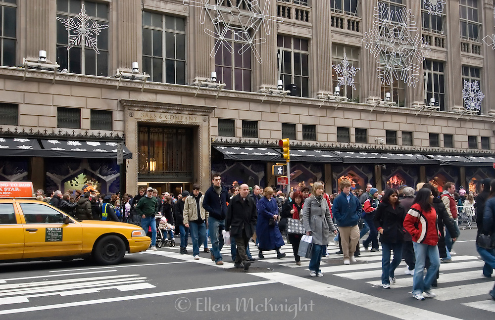 Holiday Shopping Crowd outside of Saks Fifth Avenue in Manhatan, December 2006