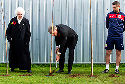 Doug Harman in action Representatives of Bristol City take part in a ceremony to plant tree's in memory of the 7 Bristol City player's who lost their lives serving during WW1 - Rogan/JMP - 09/11/2018 - FOOTBALL - Failand Training Ground - Bristol, England.