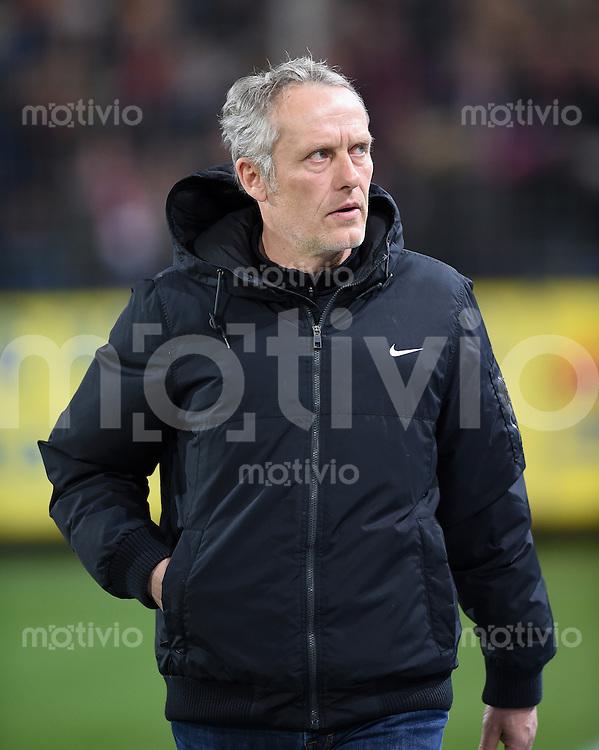 Fussball  2. Bundesliga  Saison 2015/2016  27. Spieltag SC Freiburg - Karslruher SC        13.12.2015 Trainer Christian Streich (SC Freiburg)