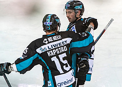 06.01.2019, Keine Sorgen Eisarena, Linz, AUT, EBEL, EHC Liwest Black Wings Linz vs Fehervar AV 19, 36. Runde, im Bild v.l. Kevin Kapstad (EHC Liwest Black Wings Linz), Aaron Brocklehurst (EHC Liwest Black Wings Linz) feiern das 2 zu 2 // during the Erste Bank Eishockey League 36th round match between EHC Liwest Black Wings Linz and Fehervar AV 19 at the Keine Sorgen Eisarena in Linz, Austria on 2019/01/06. EXPA Pictures © 2019, PhotoCredit: EXPA/ Reinhard Eisenbauer