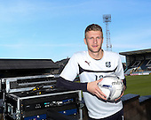 06-04-2015 Dundee goalkeeper Scott Bain signs contract extension