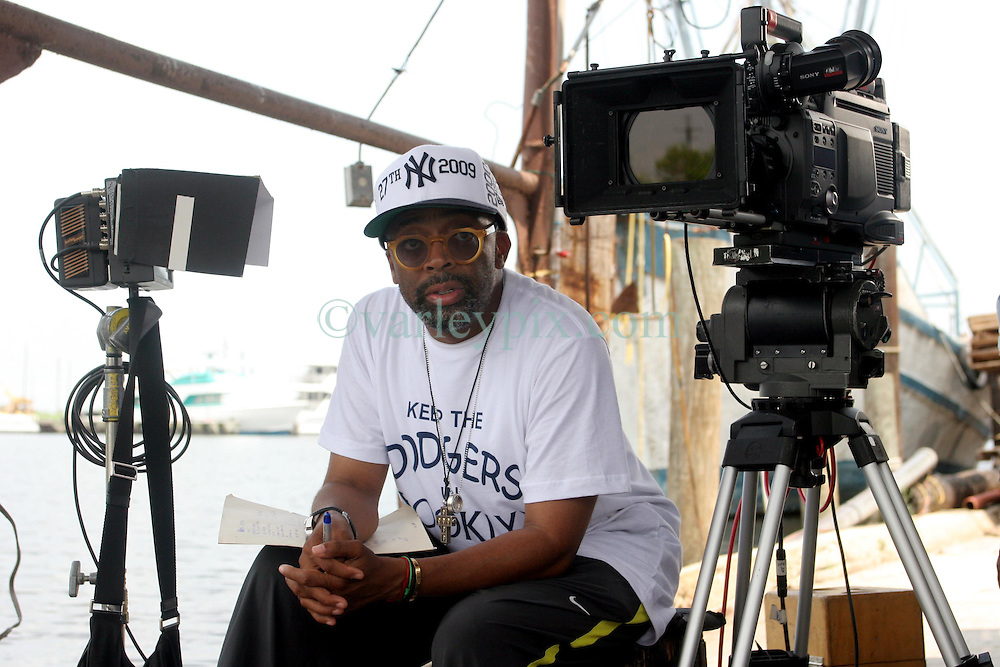 01 June 2010. New Orleans, Louisiana, USA.  <br /> Spike Lee on set in Chalmette for his latest movie,  'If God is Willing and da Creek Don't Rise.'<br /> Photo; Charlie Varley.