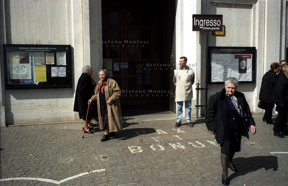 San Giovanni Rotondo.L'ingresso del Santuario di S.Maria delle Grazie.San Giovanni Rotondo.The entrance to the Sanctuary of Santa Maria delle Grazie