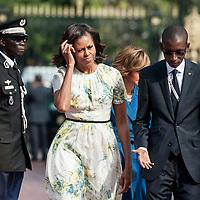 27/06/2013.  Dakar. Senegal. Les présidents Barack Obama et Macky Sall ont offert une conférence de presse au Palais Présidentiel de la République du Senegal. Michelle Obama a son arrivée. ©Sylvain Cherkaoui/Cosmos