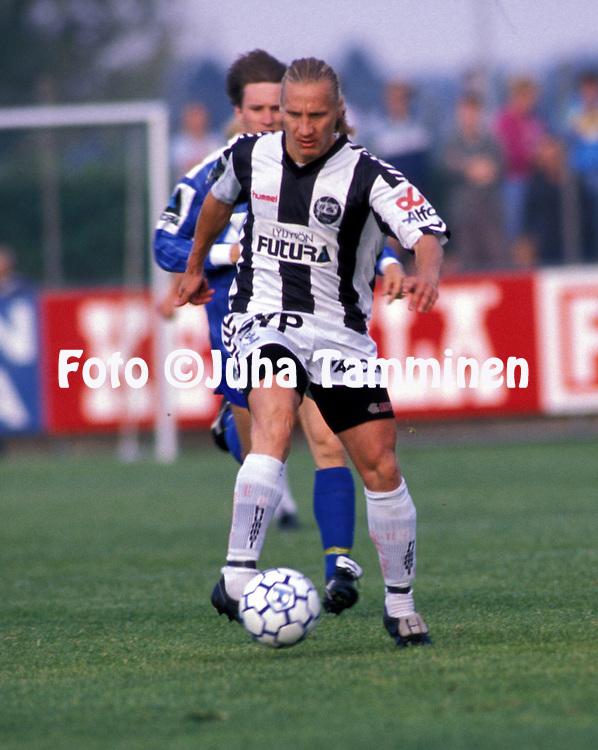05.08.1990.Kimmo Lipponen - Turun Palloseura.©Juha Tamminen