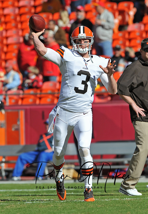 KANSAS CITY, MO - OCTOBER 27:  Quarterback Brandon Weeden #3 of the Cleveland Browns warms up before a game against the Kansas City Chiefs on October 27, 2013 at Arrowhead Stadium in Kansas City, Missouri.  (Photo by Peter G. Aiken/Getty Images) *** Local Caption *** Brandon Weeden