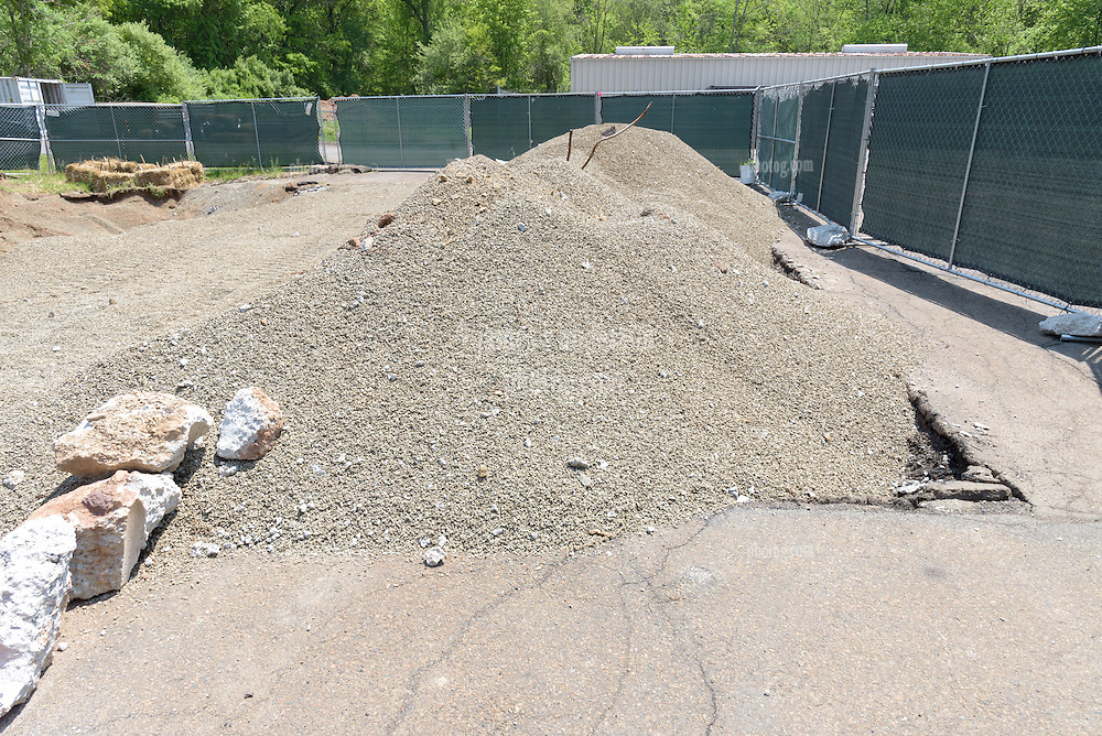 CT-DOT Project No. 173-456 East Haven Repair Facility Tank Replacement. Progress Photo Documentation on 25 Mayl 2016. One of 28 Images of Both Locations captured this Submission.
