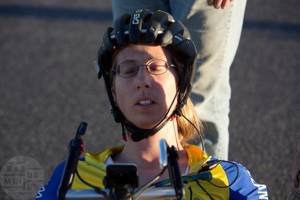 Ellen van Vugt moet bijkomen na haar race op de vierde racedag van de WHPSC. In de buurt van Battle Mountain, Nevada, strijden van 10 tot en met 15 september 2012 verschillende teams om het wereldrecord fietsen tijdens de World Human Powered Speed Challenge. Het huidige record is 133 km/h.<br /> <br /> Ellen van Vugt has to recover after het ride on the fourth day of the WHPSC. Near Battle Mountain, Nevada, several teams are trying to set a new world record cycling at the World Human Powered Vehicle Speed Challenge from Sept. 10th till Sept. 15th. The current record is 133 km/h.