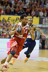 31.05.2014, Audi Dome, Muenchen, GER, Beko Basketball BL, FC Bayern Muenchen Basketball vs EWE Baskets Oldenburg, Halbfinale, im Bild Bryce Taylor (FC Bayern Muenchen Basketball), Julius Jenkins (EWE Baskets Oldenburg), v.li. // during the Beko Basketball Bundes league semifinal match between FC Bayern Munich Basketball and EWE Baskets Oldenburg at the Audi Dome in Muenchen, Germany on 2014/05/31. EXPA Pictures © 2014, PhotoCredit: EXPA/ Eibner-Pressefoto/ Buthmann<br /> <br /> *****ATTENTION - OUT of GER*****