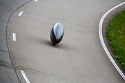 In Lelystad testen Iris Slappendel en Aniek Rooderkerken de VeloX 7 op de RDW baan. In september wil het Human Power Team Delft en Amsterdam, dat bestaat uit studenten van de TU Delft en de VU Amsterdam, tijdens de World Human Powered Speed Challenge in Nevada een poging doen het wereldrecord snelfietsen voor vrouwen te verbreken met de VeloX 7, een gestroomlijnde ligfiets. Het record is met 121,44 km/h sinds 2009 in handen van de Francaise Barbara Buatois. De Canadees Todd Reichert is de snelste man met 144,17 km/h sinds 2016.<br /> <br /> In Lelystad Iris Slappendel and Aniek Rooderkerken test the VeloX 7 at the RDW track. With the VeloX 7, a special recumbent bike, the Human Power Team Delft and Amsterdam, consisting of students of the TU Delft and the VU Amsterdam, also wants to set a new woman's world record cycling in September at the World Human Powered Speed Challenge in Nevada. The current speed record is 121,44 km/h, set in 2009 by Barbara Buatois. The fastest man is Todd Reichert with 144,17 km/h.