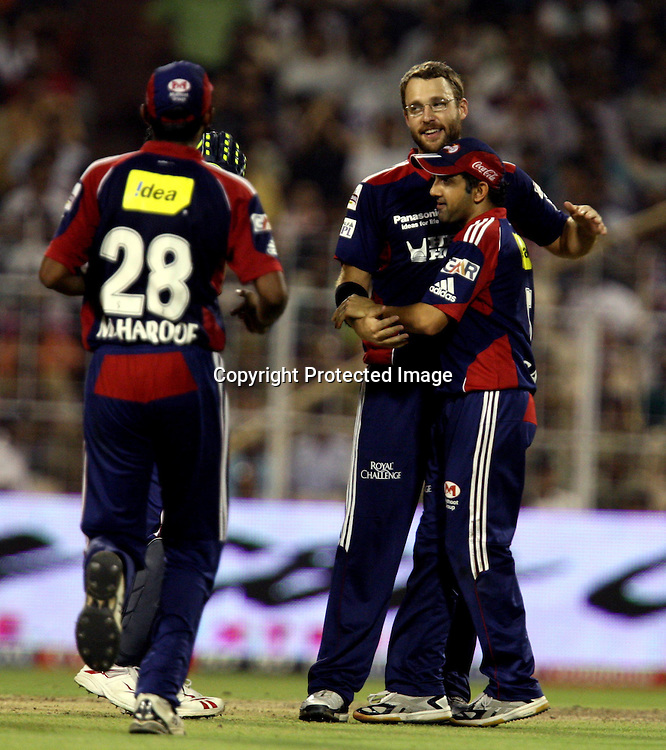 Delhi Daredevils Bowler D. Vettori Celebrates With Team Mates Kolkata Knight Riders Batsman Sourav Sourav Ganguly Wicket During The Indian Premier League - 39th match Twenty20 match 2009/10 season Played at Eden Gardens, Kolkata 7 April 2010 - day/night (20-over match)