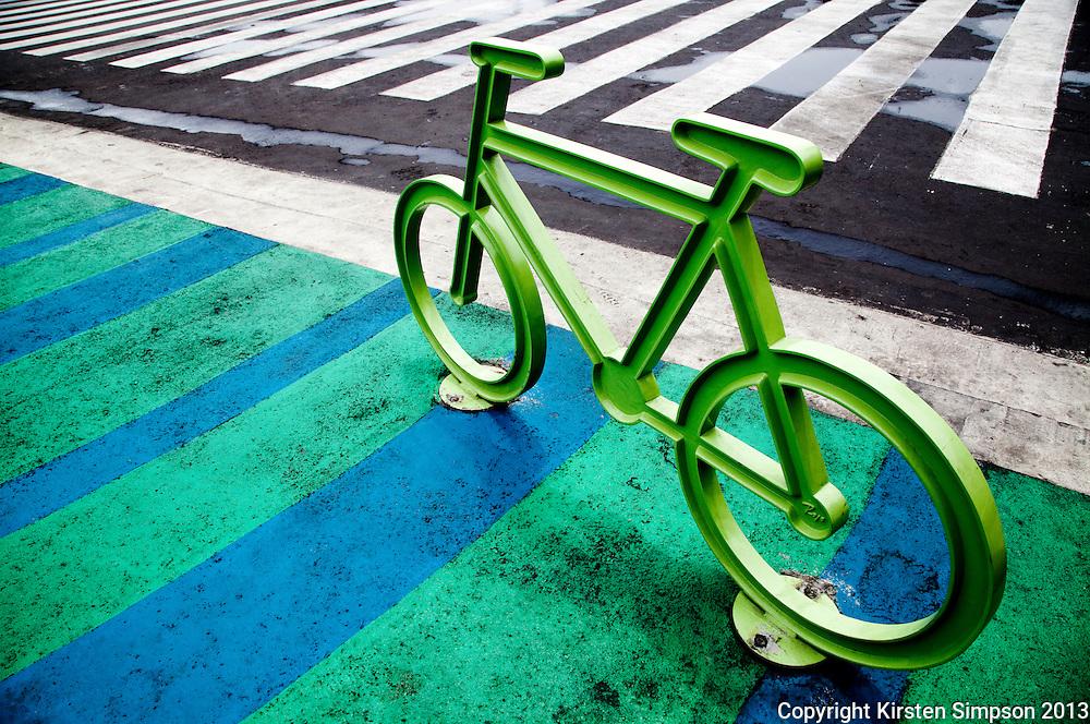 Cycling Street Art at the Zocolo