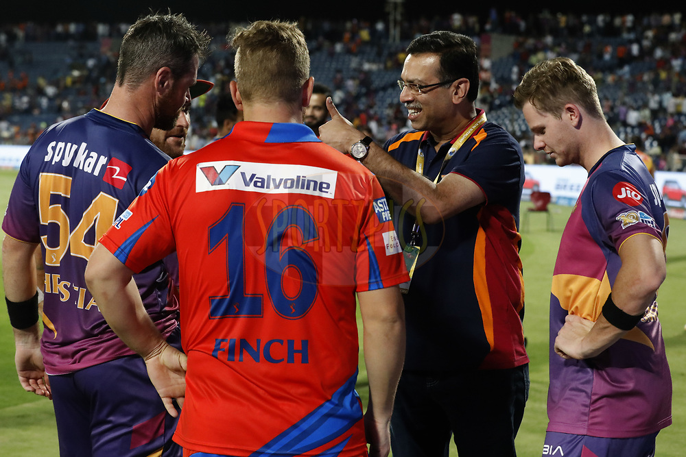 Sanjiv Goenka owner of Rising Pune Supergiant chat with players after match 39 of the Vivo 2017 Indian Premier League between the Rising Pune Supergiants and the Gujarat Lions held at the MCA Pune International Cricket Stadium in Pune, India on the 1st May 2017<br /> <br /> Photo by Arjun Singh - Sportzpics - IPL