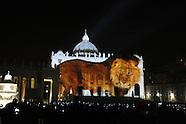 20151208 -  San Pietro Fiat Lux spettacolo di luci  Giubileo Straordinario della Misericordia