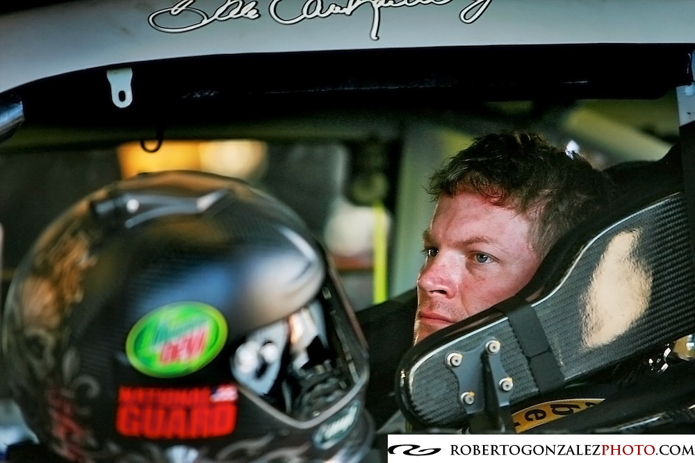 Dale Earnhardt, Jr. in the garages making adjustments to his car during week two of testing at International Speedway, Daytona, Daytona Beach, Monday, January 14, 2008. (Roberto Gonzalez)