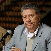 Toluca, México.- Tolentino  Román Bojórquez, líder estatal de Movimiento Antorchista anuncio que el próximo 5 de septiembre 60 mil antorchistas se manifestaran en Toluca exigiendo se cumplan  todos los compromisos hechos por el gobernador de la entidad mexiquense.  Agencia MVT / Crisanta Espinosa
