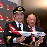SANTIAGO DU CHILI le 26 mars 2012<br /> <br /> PHOTO: FRANCISCO ARIAS<br /> <br /> Qantas a tenu cet après-midi une cérémonie pour inaugurer son premier vol en provenance du Chili à Sydney, en Australie.<br /> <br /> L'occasion a été assisté par l'ambassadeur de la compagnie aérienne, l'acteur John Travolta, liée à la société après l'acquisition d'un Boeing 707.<br /> <br /> Wally Mariani, senior vice-président exécutif pour les Amériques et du Pacifique, a annoncé que les voyages de l'entreprise seront en premier lieu trois fois par semaine, les lundis, mercredis et samedis.