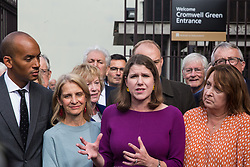 """London, UK. 25 September, 2019. Party leader Jo Swinson addresses the media before returning to Parliament with her fellow Liberal Democrat MPs on the day after the Supreme Court ruled that the Prime Minister's decision to suspend parliament was """"unlawful, void and of no effect"""". Credit: Mark Kerrison/Alamy Live News"""