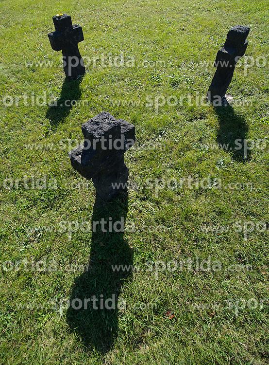 THEMENBILD - Herbst im Wiener Zentralfriedhof. Das Bild wurde am  14. Oktober 2012 aufgenommen. im Bild Grabstein // THEME IMAGE FEATURE - Autumn in Vienna at viennese central cemetery. The image was taken on october, 14th, 2012. Picture shows gravestone, AUT, EXPA Pictures © 2012, PhotoCredit: EXPA/ M. Gruber