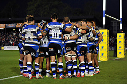 The Bath Rugby team huddle together at half-time - Photo mandatory by-line: Patrick Khachfe/JMP - Mobile: 07966 386802 24/04/2015 - SPORT - RUGBY UNION - Bath - The Recreation Ground - Bath Rugby v London Irish - Aviva Premiership