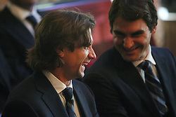 19.11.2010, Marriott County hall, London, ENG, ATP World Tour, Finals, im Bild Ferrer, David (ESP) and Federer, Roger (SUI). EXPA Pictures © 2010, PhotoCredit: EXPA/ InsideFoto/ Hasan Bratic +++++ ATTENTION - FOR AUSTRIA/AUT, SLOVENIA/SLO, SERBIA/SRB an CROATIA/CRO CLIENT ONLY +++++
