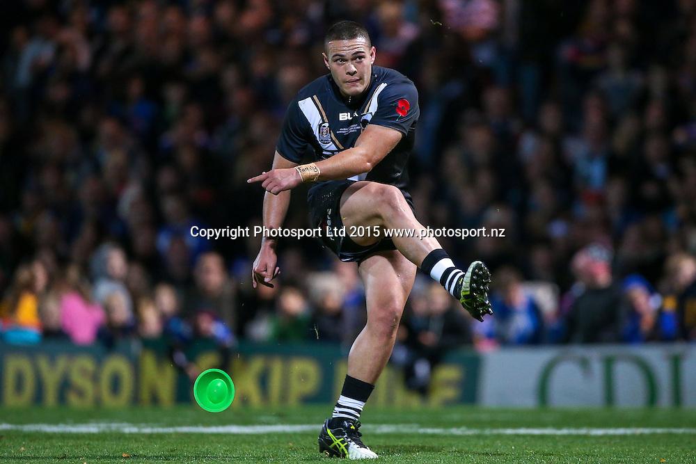 23/10/2015 - Rugby League - Leeds Rhinos vs New Zealand - Headingley Stadium, Leeds, England - New Zealand's Tuimoala Lolohea kicks for goal.<br /> Photo credit: Alex Whitehead / www.photosport.nz