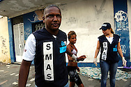 Jacarézinho favela area, North Zone of Rio de Janeiro. Military police and social workers of the City looking for crack users in the early morning to take them to a selection center. Minors will be directed to detention rehab centers.//  Favela Jacarézinho, Zona Norte de Rio. La police militaire et les assistants sociaux de la Mairie recherchent les usagers de crack au petit matin, pour les emmener dans un centre de tri. Les mineurs seront dirigés vers des centres fermés.