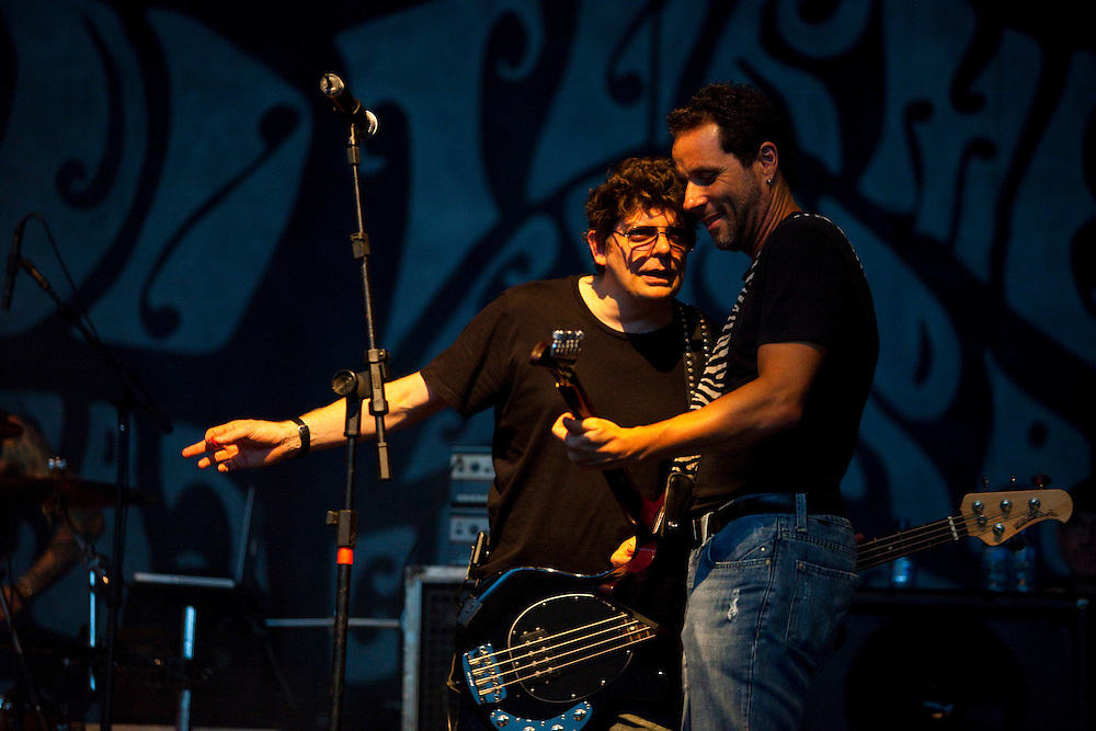 Belo Horizonte_MG, Brasil..Apresentacao da Banda Titas. Na foto Tony Bellotto e Branco Mello...The Titas rock band. In this photo Tony Bellotto e Branco Mello...Foto: LEO DRUMOND / NITRO